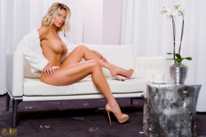 Jahna escort girl