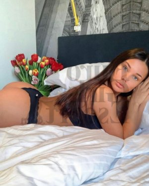 Kellyah escort girl in Lakeland Florida