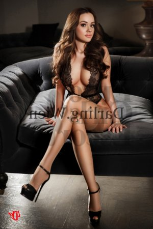 Wided escort girl, nuru massage