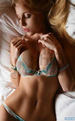 Opaline live escorts in St. Joseph MO & massage parlor