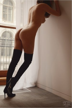 Marie-jessie live escort and nuru massage
